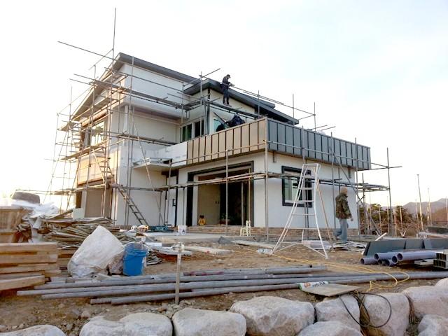 내장 작업을 용이하게 하는 '비계'. 설치비용은 25평 시공 시 100~200만원(사용기간 1개월)